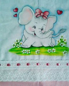 Pintura by Prika Reis Artesanato. Baby Painting, Cartoon Painting, Painting For Kids, Fabric Painting, Hand Embroidery Designs, Applique Designs, Janome Embroidery Machine, Dove Pictures, Baby Clip Art
