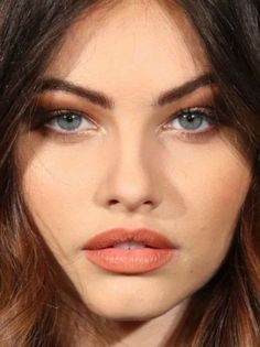 Mila Kunis Young, 2017 Fall Fashion Trends, Young Marilyn Monroe, Thylane Blondeau, Portrait Photography Poses, Abstract Faces, Le Jolie, Brunette Beauty, Barbara Palvin