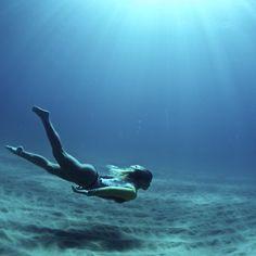 dea-del-mare:  the-ocean-paradise:  pure ocean  X