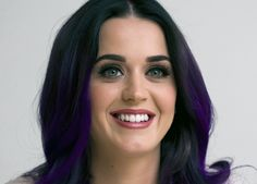Vídeo mostra Katy Perry quando era cantora gospel