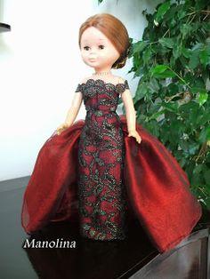 Nancy en particular American Girl Crafts, American Doll Clothes, Crochet Doll Clothes, Crochet Dolls, Doll Fancy Dress, Nancy Doll, Barbie I, Girl Costumes, Doll Patterns