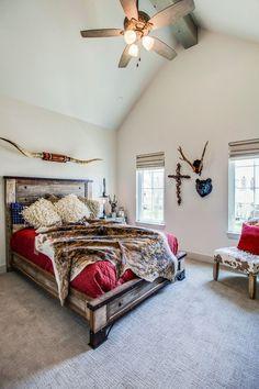 home decor bedroom Southwestern Bedroom Design Western Bedroom Decor, Western Rooms, Home Decor Bedroom, Western Decor, Cowgirl Bedroom, Bedroom Ideas, Western Bedding, Bedroom Makeovers, Master Bedroom