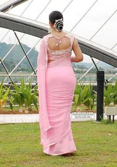 Beautiful Bollywood Actress, Beautiful Indian Actress, Beautiful Actresses, Beautiful Blonde Girl, Beautiful Girl Image, Beautiful Women, Indian Girls Images, Indian Actress Hot Pics, Saree Models