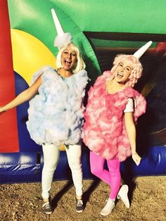 36 Cute Halloween Costumes for Teens You Can Actually Pull Off - Cotton Candy Costume Cotton Candy Halloween Costume, Cute Halloween Costumes For Teens, Halloween Mono, Candy Costumes, Best Friend Halloween Costumes, Halloween 2017, Easy Halloween, Diy Costumes, Halloween Customs