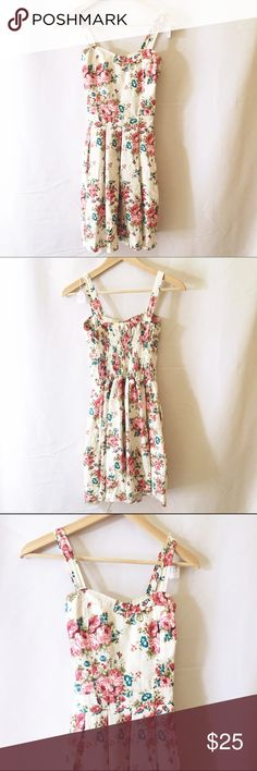 White floral sundress strappy pockets Like new condition. From a boutique in Paris. Gorgeous and super cute. Dresses