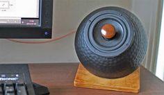 Cheap and good looking DIY Desktop loudspeakers by Stockholmviews.com.