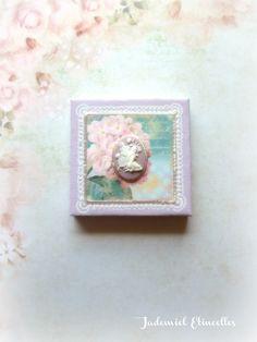 """Toile miniature décorative série """" Songes de fleurs : La Roseraie enchantée """" n°1 : Accessoires de maison par jademiel-etincelles"""