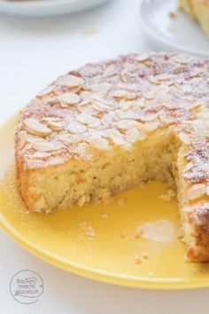 Zitronen-Mandel-Kuchen Great recipe for a gluten-free almond cake. The lemon almond cake is fresh and super juicy. The lemon cake is baked without flour. free Lemon and almond cakeAlmond Rhubarb Cake (GlutStrawberry and almond cake Peanut Butter Recipes, Milk Recipes, Easy Cake Recipes, Healthy Dessert Recipes, Cupcake Recipes, Baking Recipes, Cookie Recipes, Flour Recipes, Lemon Recipes