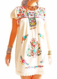 Las florecitas vintage Mexican embroidered floral dress manta cotton and lace trim unique lovely style S M L