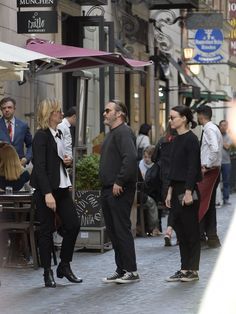 Rooney And Kate Mara, Rooney Mara, Joaquin Phoenix, Jennifer Beals, Grey Beards, All Black Outfit, Cate Blanchett, Best Actress, Couple Pictures