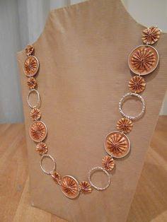 nespressart bijoux Funky Jewelry, Recycled Jewelry, Hair Jewelry, Jewelry Crafts, Coffee Pods, Homemade Jewelry, Beads And Wire, Beaded Earrings, Creations