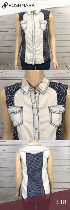 Blue block print sleeveless shirt size M This cute shirt is the perfect layering piece under a leather jacket or sweater.  Pearl like snaps, Size M.  Check out the rest of my closet!  Suggested User with hundreds of 5 star ratings! Mossimo Supply Co Tops