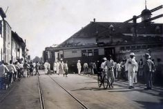 Bij de Staatsspoorwegen in Nederlands-Indië gebeurden vele ongelukken, meerdere daarvan binnen de gemeentegrenzen van Batavia. In april 1927 derailleerde een locomotief met enkele rijtuigen. 'Te ho…