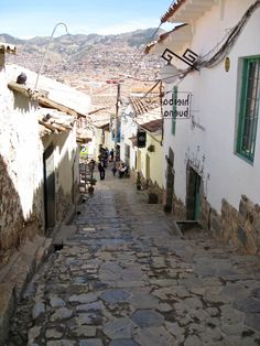 I remember trekking up and down these steps in Cusco, Peru. Not such as easy task at an altitude of 3400m !