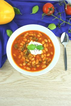 Serbische Bohnensuppe – Low Carb Rezept zum Abnehmen This fast Serbian bean soup is low in carbohydrates, healthy and can … Veggie Recipes, Low Carb Recipes, Soup Recipes, Diet Recipes, Vegetarian Recipes, Healthy Recipes, Jello Recipes, Law Carb, Best Pancake Recipe
