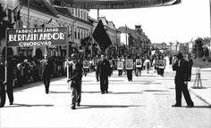 Bernáth Andor cukorgyár dolgozóinak a felvonulása május 1-én,1956 k. Andorra, Street View