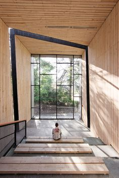 wood + glass Mutar_Arquitectos_Espacio_Scout_Colegio_Saint_George