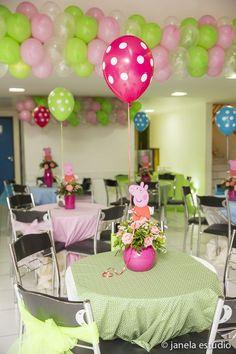Post pra você se inspirar e criar uma linda festa com tema da porquinha mais querida do pedaço: Peppa Pig!
