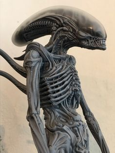 From Roswell Japan Alien big chap bust statue Alien Cosplay, Giger Alien, Giger Art, Alien 1979, Alien Tattoo, Aliens Movie, Alien Vs Predator, Fantastic Art, Creature Design