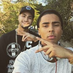 Ronnie Banks and Quincy Brown Ronnie Banks, Quincy Brown, Male Eyes, Black Boys, Light Skin, Good Looking Men, Sexy Men, Sexy Guys, On Set