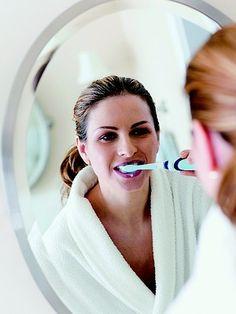 Os hormônios da gestação mexem muito com o corpo e facilitam, inclusive, a ocorrência de problemas dentários. Saiba por que você precisa tomar um cuidado extra com a saúde bucal durante os nove meses