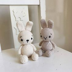 Ravelry: Zipzip Bunny pattern by Elif Tekten Easter Crochet, Crochet Crafts, Crochet Toys, Crochet Baby, Crochet Projects, Amigurumi Patterns, Knitting Patterns, Crochet Patterns, Crochet Rabbit Free Pattern