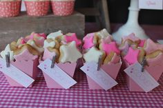 Favors at a Star Party #star #partyfavors