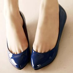 AHHHHHH! the most beautiful sapphire flats!!!!!!!!