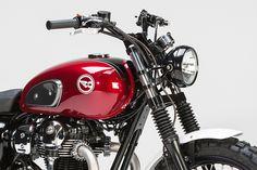 Kawasaki W800 by LSL. I love that headlight.