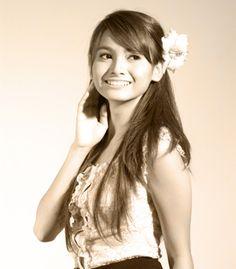 Acha disebut sebagai aktris film Indonesia termahal saat ini, honornya diperkirakan berkisar antara Rp 250-280 juta per film.