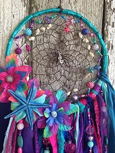 Mermaid Dreamcatcher with Real Seashells and Starfish Dream Catcher Craft, Dream Catchers, Los Dreamcatchers, Mundo Hippie, Mermaid Bedroom, Dream Catcher Native American, Mermaid Crafts, Mermaid Birthday, Diy For Girls