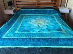 Modern Quilt Patterns, Patchwork Patterns, Quilt Patterns Free, Fabric Panel Quilts, Fabric Panels, Quilting Projects, Quilting Designs, Flower Quilts, Quilt Border