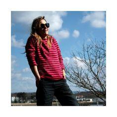 La marinière pour femme dans les tons rose à manches longues version jersey de coton 100%.