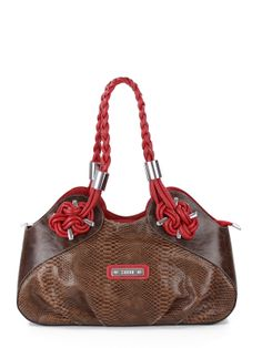 Bolsa de couro estampa cobra, com detalhes em couro liso e alças em couro contrastante.