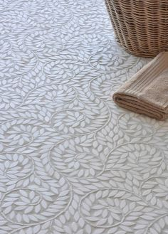 Gorgeous scrolled vine tile