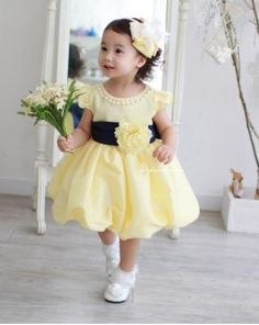 Beautiful girl dress Yellow lady style girl dress O-neck girl dress with peals Lovely girl loves On sale $16.89