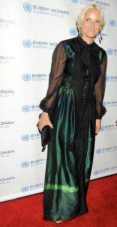 Mette-Marit de Noruega fue la invitada de honor de la gala benéfica de la ONU Every Woman Every Child en el Museo de Arte Moderno (MOMA) #royals #princess #norway