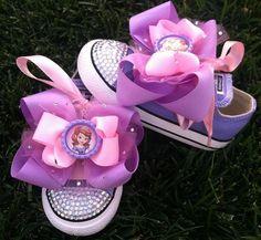Ideas de souvenirs de Princesa Sofía.  Tarjetas de invitación para descargar aquí http://mundomab.com/index/kit-para-imprimir-princesa-sofia-gratis/  #KitImprimible #Sofia #MundoMab #Invitaciones #CandyBar