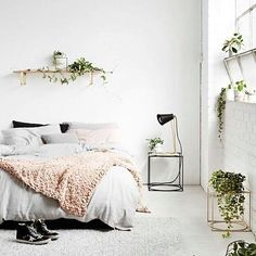 Minimal refreshing bedroom via Ivy Muse Melbourne #bedroom #plants #planter #minimal #Scandi