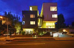 Sweetzer Maisonettes by Aleks Istanbullu Architects - http://architectism.com/sweetzer-maisonettes-by-aleks-istanbullu-architects/ -