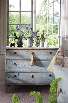 Chippy Blue Chest of Drawers