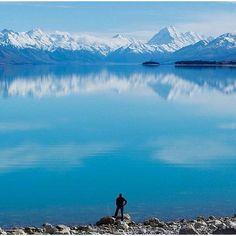 Lake Pukaki, New Zealand.  photo by @new._zealand • #newzealand