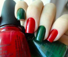 Christmas nails, I want to do this or have 3 colors, red, white and green. So a red nail, then a green nail, then a white nail.