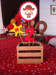 Cowgirl centerpiece :) Horse Birthday Parties, Cowboy Birthday Party, Farm Animal Birthday, 2nd Birthday Party Themes, Cowgirl Birthday, Festa Toy Story, Toy Story Party, Woody Party, Cowboy Theme Party
