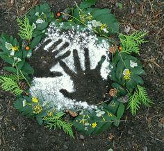 Nature art Land Art, Forest School Activities, Nature Activities, Stem Activities, Diy Nature, Nature Crafts, Diy Pour Enfants, Ephemeral Art, Forest Art