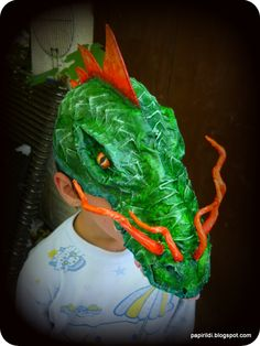 Ildis papier mache: Dan Reeder inspired dragon mask
