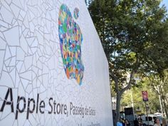 Side view of Gaudí-style tiled mosaic promoting the opening of the Apple Store in Passeig de Gràcia, Barcelona