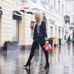 Sataa mutta Ellen bloggaaja @minnasomero näyttää miten homma hoidetaan tyylillä   via ELLE FINLAND MAGAZINE OFFICIAL INSTAGRAM - Fashion Campaigns  Haute Couture  Advertising  Editorial Photography  Magazine Cover Designs  Supermodels  Runway Models