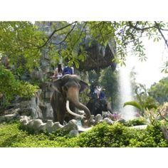 Damnernsaduak , Sampran Elephant Crocodile Show, Rose Garden
