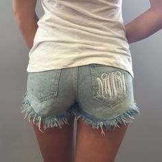 Cute idea they are a little short though Spring Summer Fashion, Spring Outfits, Preppy Style, My Style, What Should I Wear Today, Girl Fashion, Fashion Outfits, Vinyl Shirts, Material Girls